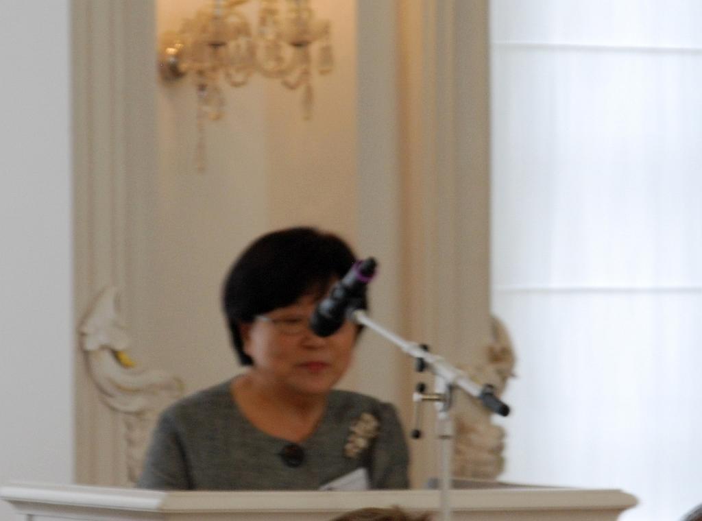0518-Tagung 1 Begrüßung Kim Hp