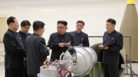 koreaner-begutachten-bombe